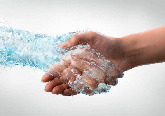 عرق کردن کف دست