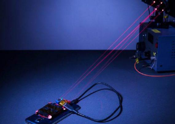 شارژ گوشی های هوشمند با استفاده از لیزر