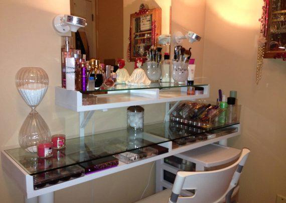 تزیین میز آرایش عروس