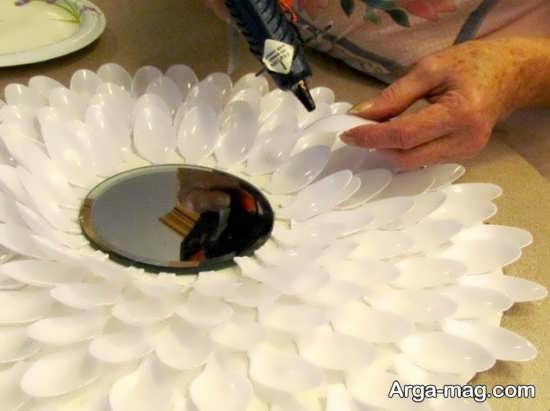تزیین جذاب آینه با قاشق یکبار مصرف