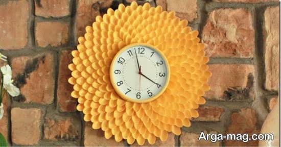 تزیین حاشیه ساعت با قاشق پلاستیکی