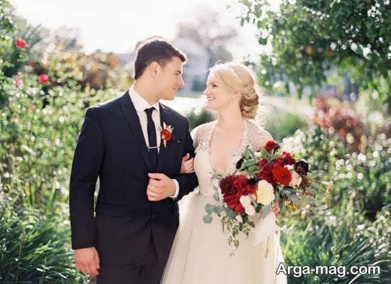 ژست عالی عروس و داماد در فضای باز