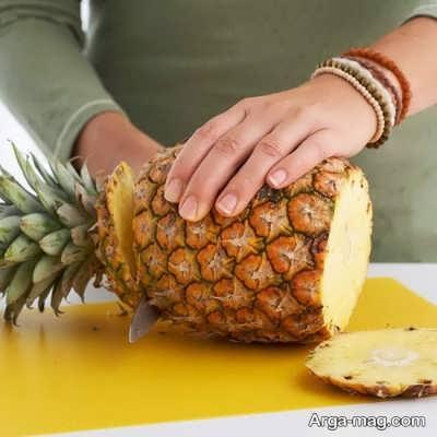جدا کردن قسمت تحتانی آناناس
