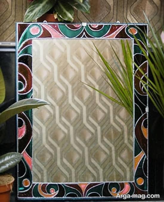نقاشی زیبا روی آینه