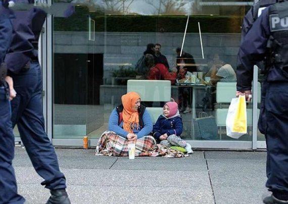 تصاویر دردناک از پناهندگان جنگ زده در پاریس