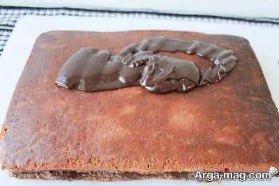 کیک اسفنجی شکلاتی خوش طعم