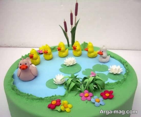 تزیین کودکانه کیک
