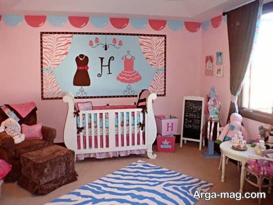 دکوراسیون اتاق کودک با تم صورتی