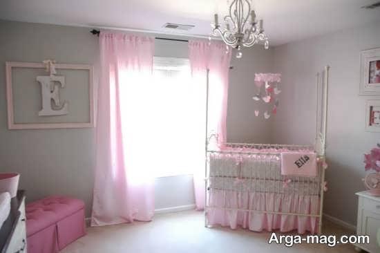 طراحی زیبای اتاق کودک با تم صورتی