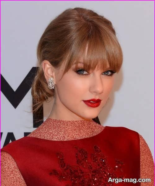 آرایش صورت زیبا و مجلسی با لباس قرمز