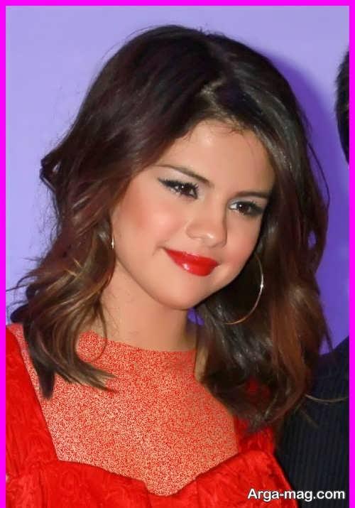 مدل آرایش صورت با لباس قرمز