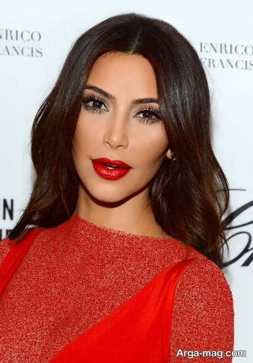 مدل آرایش صورت با لباس قرمز مجلسی