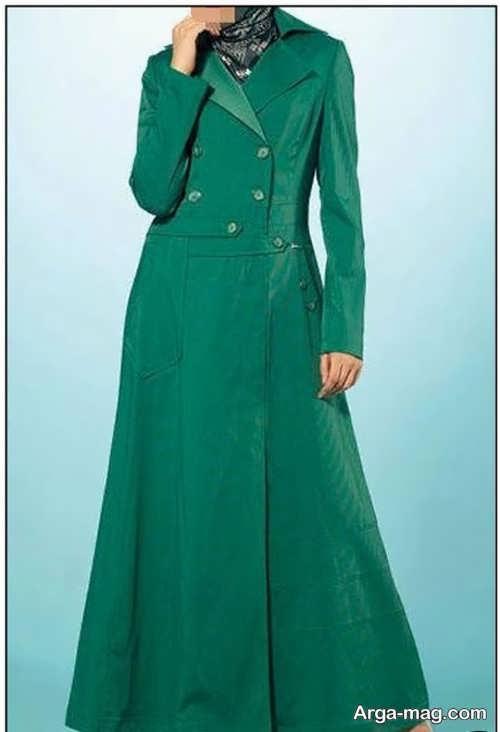 مدلی از مانتو سبز