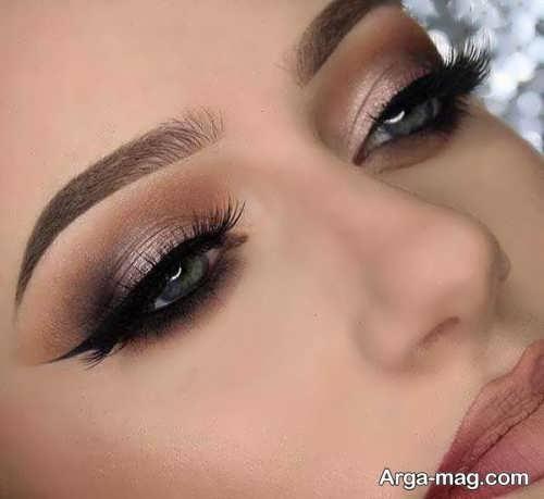 سایه چشم زنانه