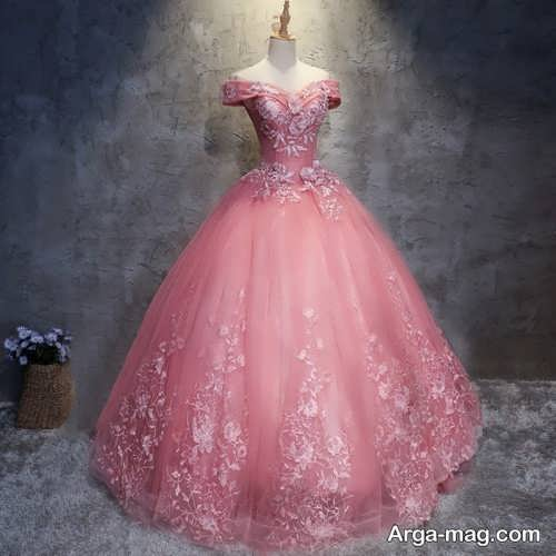 [تصویر:  Pink-Wedding-Dress-1.jpg]