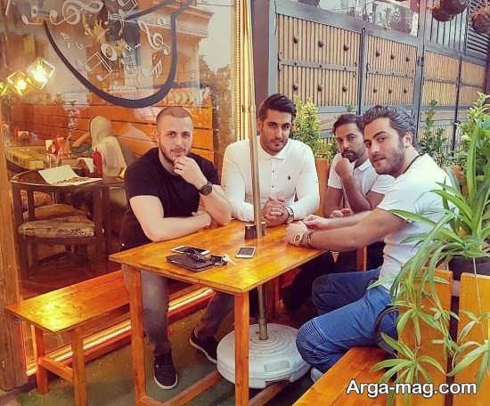 عکس شهاب مظفری با دوستانش