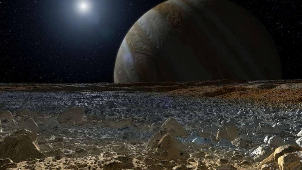 قمر اروپا و وجود آب در آن