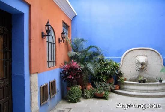 رنگ آمیزی متفاوت حیاط با تم آبی