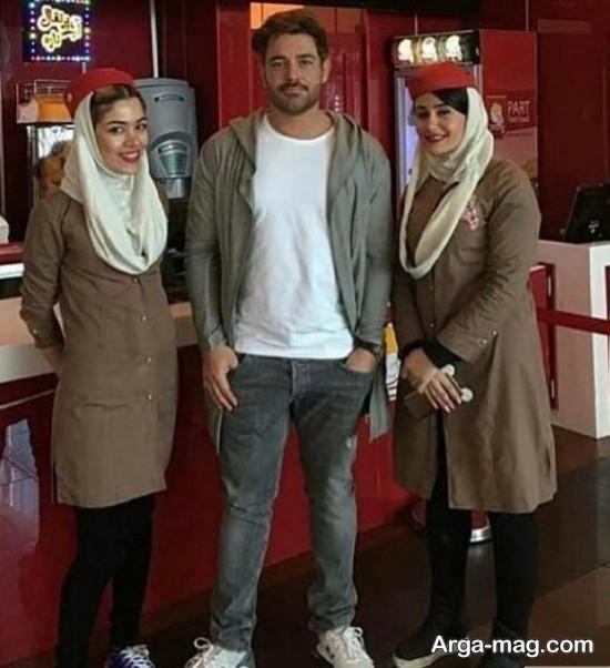 mohammadgolzar - تک عکس گلزار با فروشندگان فست فود