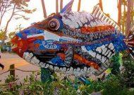 ساخت مجسمه با زباله های پلاستیکی