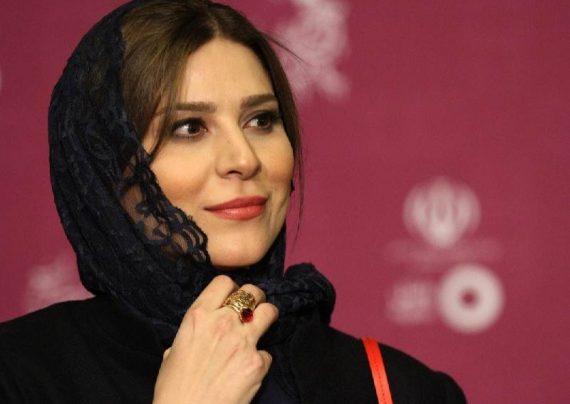 سحر دولتشاهی با تیپ اسپرت در سینما آزادی