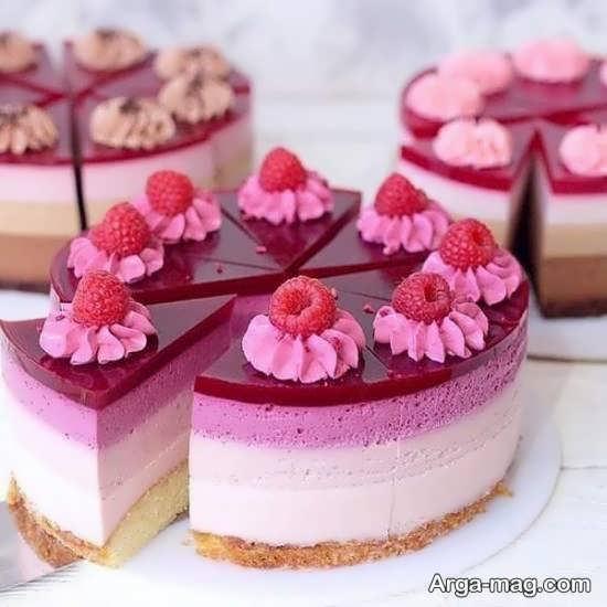 تزئینی زیبا از کیک با میوه