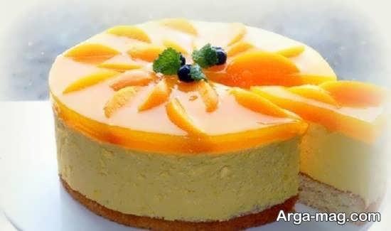 عکسی از تزیین کیک با میوه