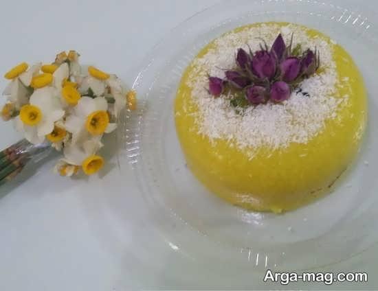 تزیین کردن شله زرد با پودر نارگیل