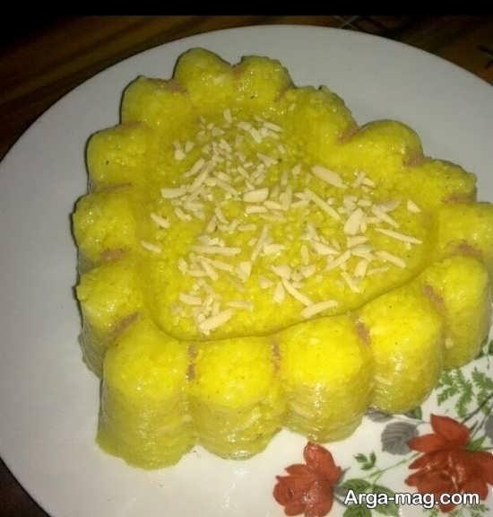 تزیین شله زرد با پودر نارگیل