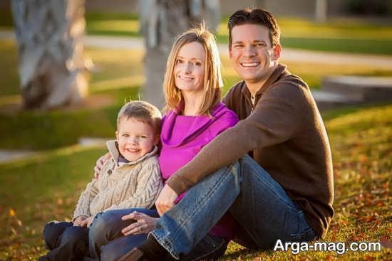 ژست عکس خانوادگی در فضای باز