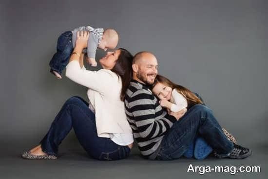 ژست زیبا و ساده برای عکس خانوادگی