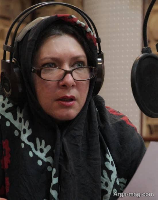 فریبا متخصص گوینده رادیو