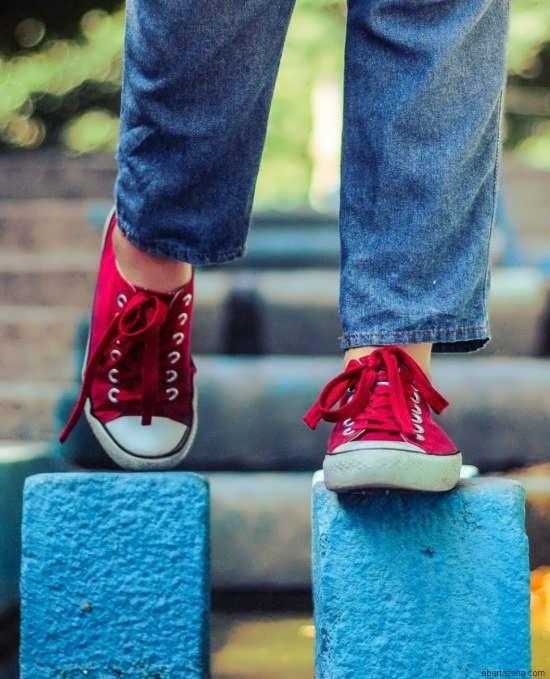 عکس پروفایل دخترانه با کفش شیک