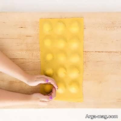 مربع کردن خمیر پاستا