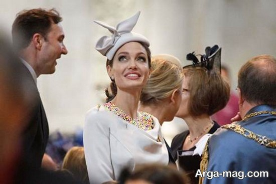آنجلینا جولی در کنار ملکه انگلیس