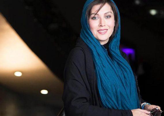 عکس های مهتاب کرامتی در باغ کتاب تهران