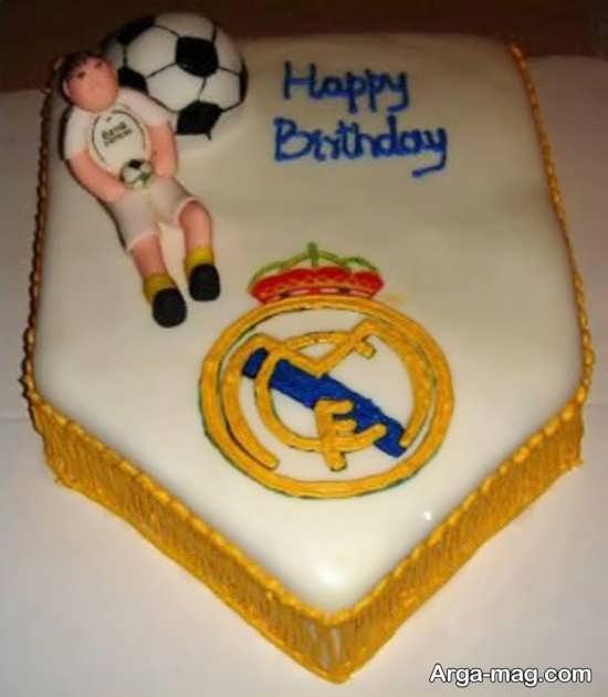 کیک با تزیین فوتبالی