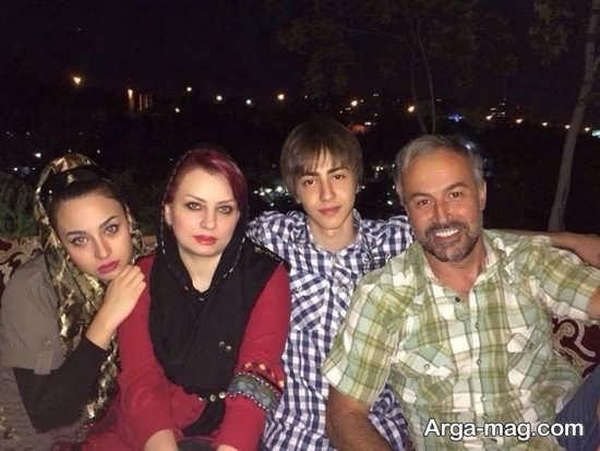 عکس های دانیال حکیمی در کنار خانواده اش