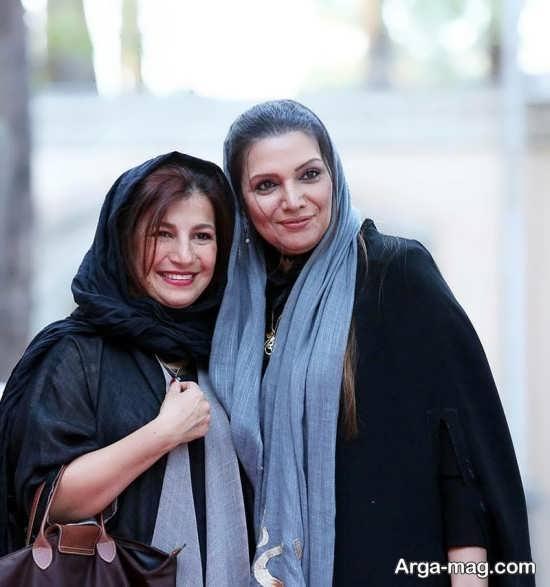 الهام پاوه نژاد در کنار دختر داوود رشیدی