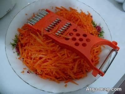 رنده کردن هویج به صورت خلالی