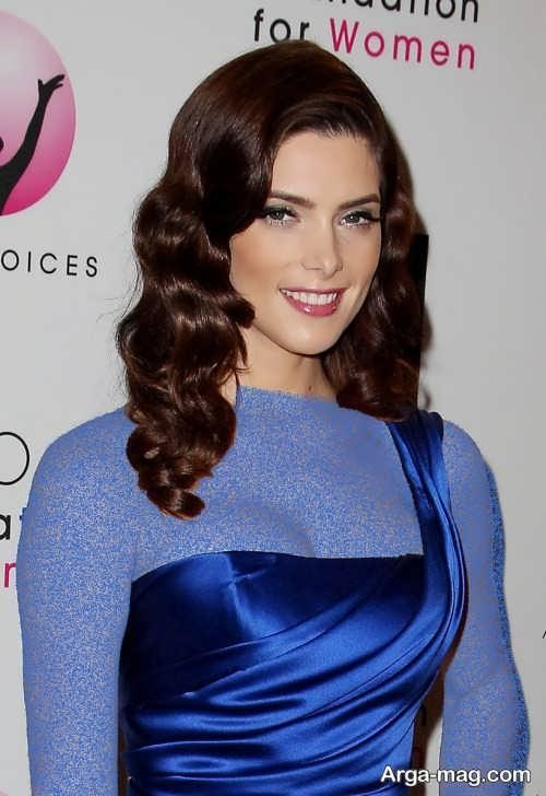 مدل آرایش صورت زیبا با لباس آبی