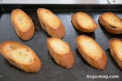 نان تست برای تهیه سوپ پیاز فرانسوی