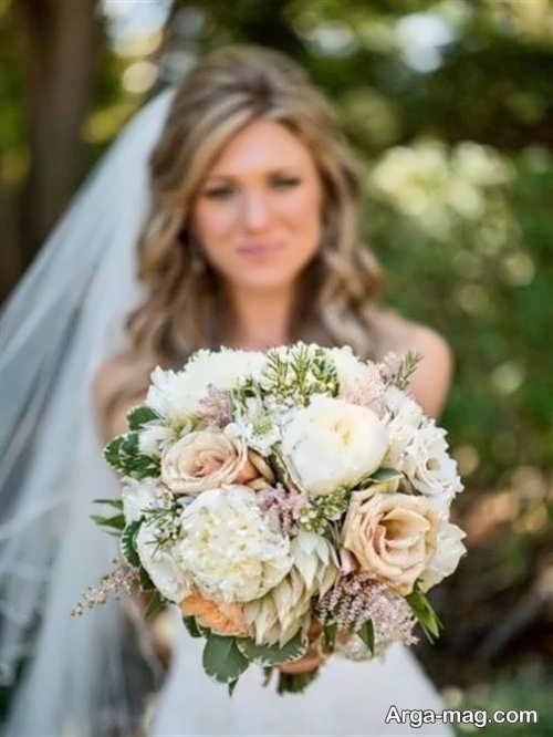 مدل ژست عکس عروس با دسته گل