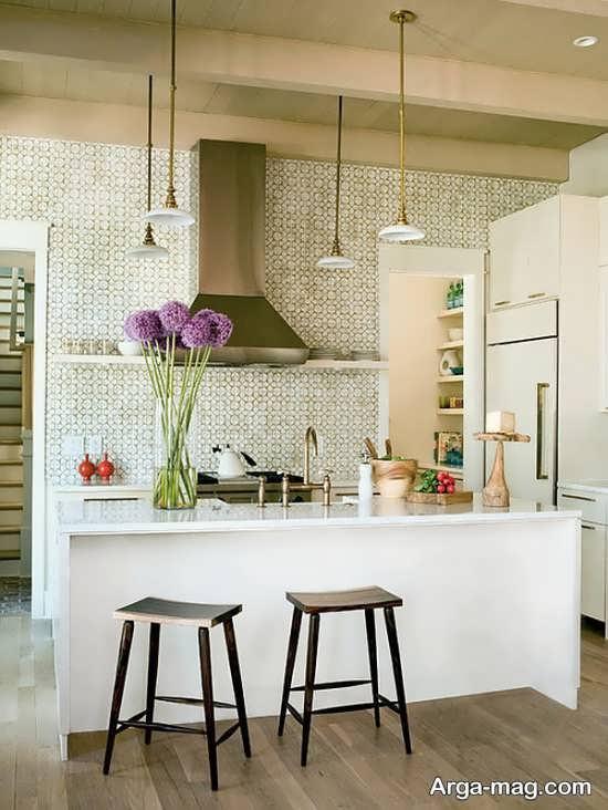 تزیین ظریف آشپزخانه با گل طبیعی