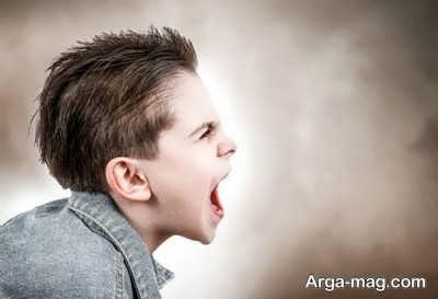 با کودک بی تربیت چگونه رفتار کنیم؟