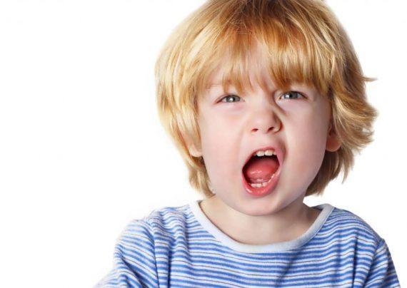 علت بد رفتاری در کودک بی ادب