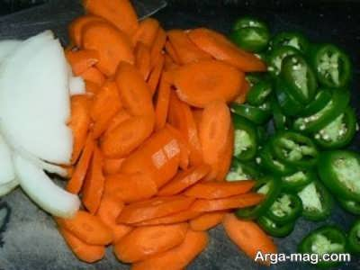 فلفل و هویج خرد شده