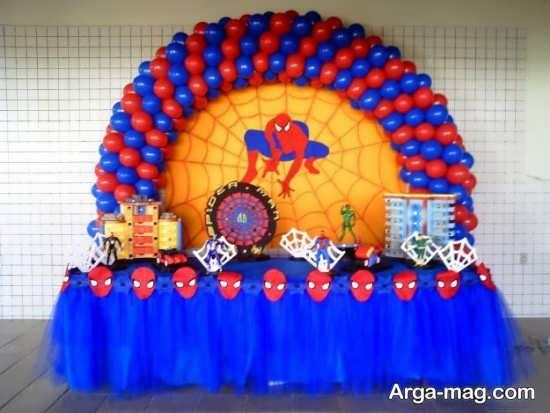 تزیین جذاب با بادکنک آبی و قرمز