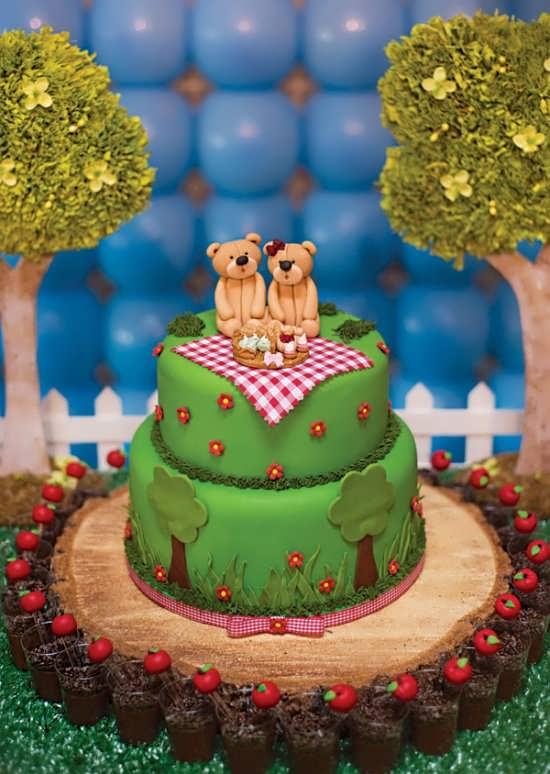 کیک زیبا با تم خرس تدی