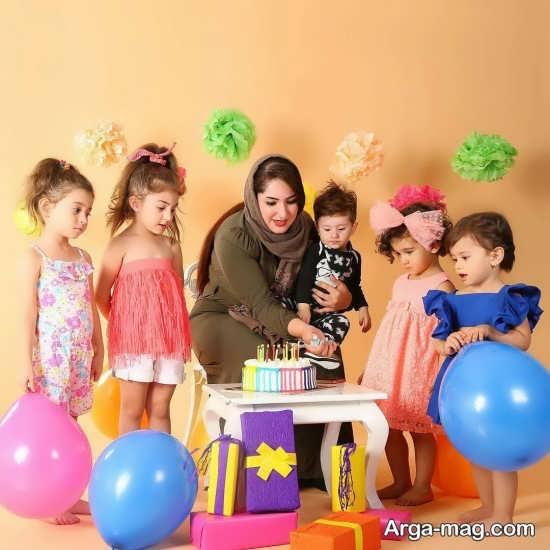 ژست عکس کودکانه جشن تولد